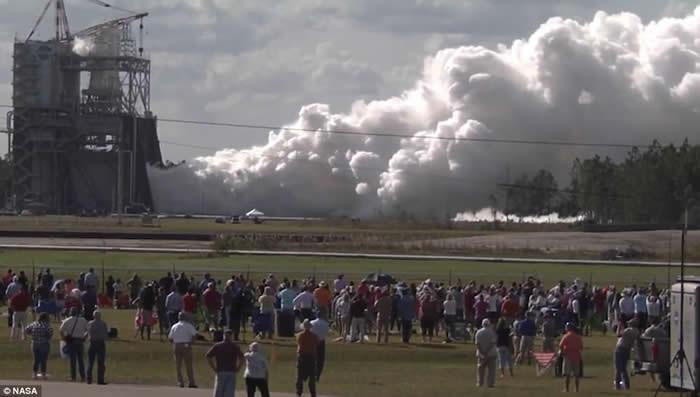 美国2030年把宇航员送往火星执行任务 NASA成功测试火箭新引擎RS-25