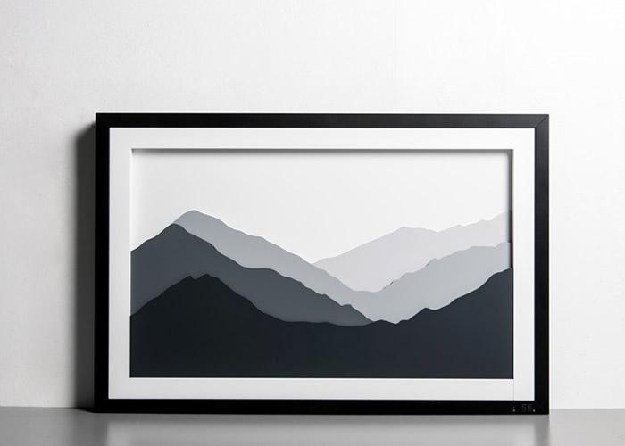水箱内的水会化为雾状,由画中的群山之间冒出。
