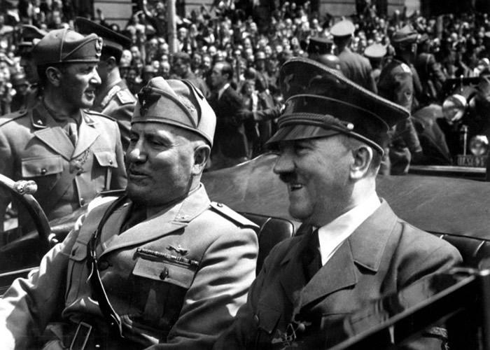 中情局近日披露一份解密文件,指二战结束后希特勒(右)仍然在生。