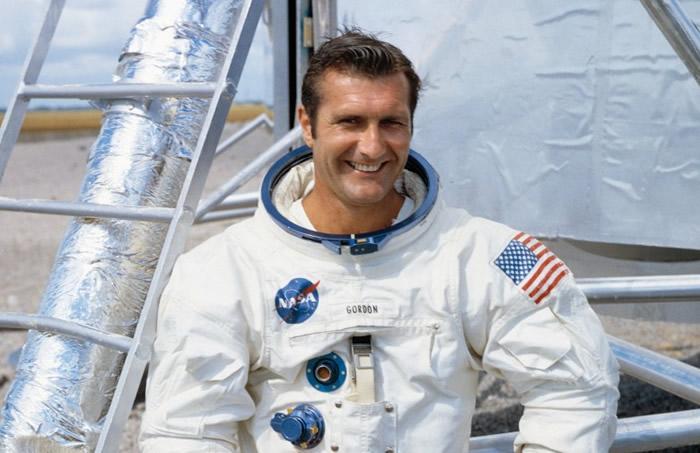 戈登于1969年执行阿波罗12号征月任务。