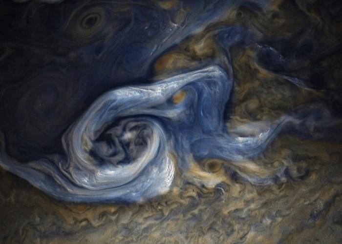 美国NASA木星探测器朱诺号传回近距离拍摄的木星北半球暴风图像