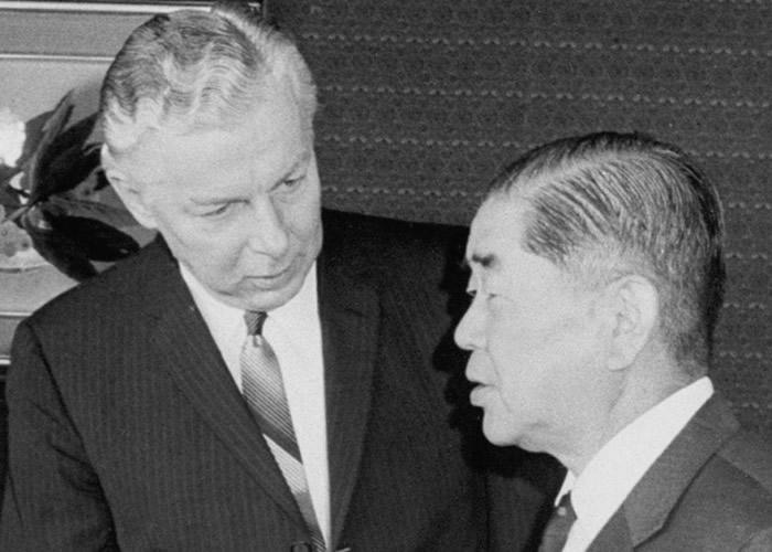 美国政府曾考虑要求日本允许美国于紧急事态时,携带核武进入日本本土。