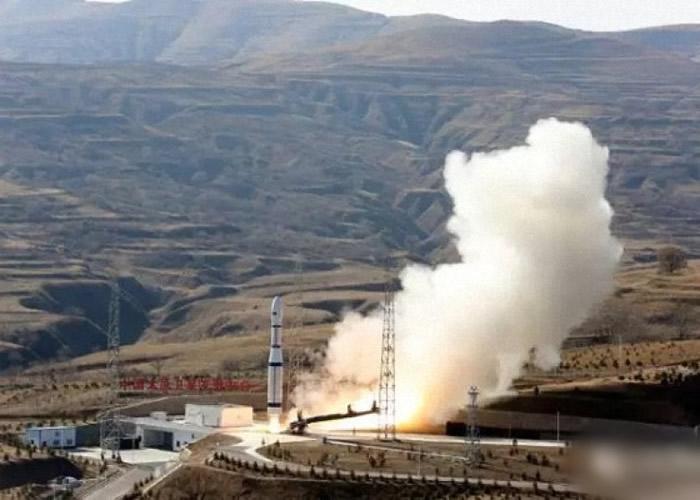 长征六号运载火箭在太原卫星发射中心发射。