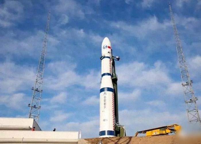长征六号运载火箭成功发射3颗卫星。