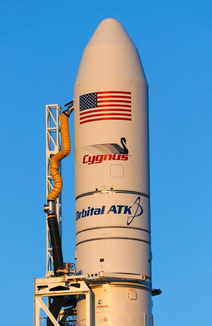 货运飞船于美国维珍尼亚州准备发射。