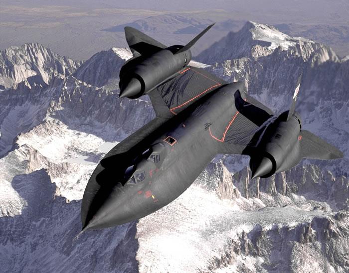 """服役32年从未被击落 燃料比威士忌还贵的美军战略侦察机""""黑鸟""""SR-71"""
