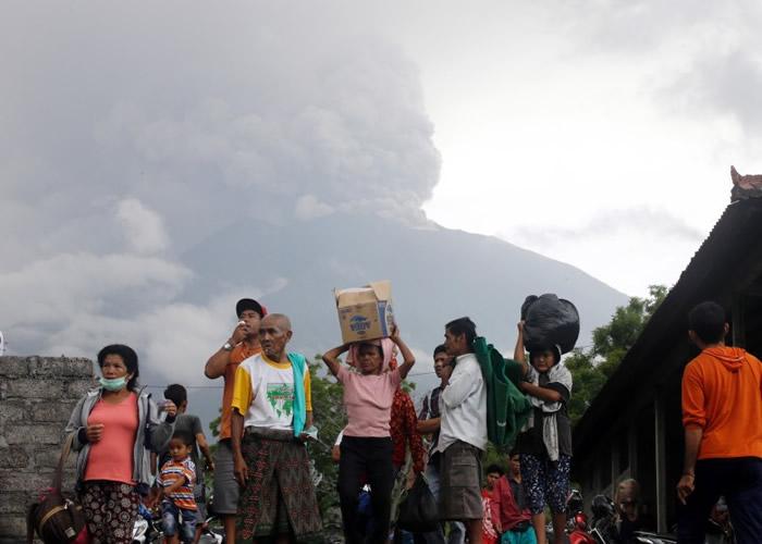 印尼巴里岛阿贡火山转趋活跃 连日来多次喷发