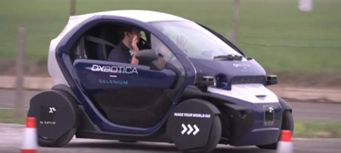 无人车在路上测试。