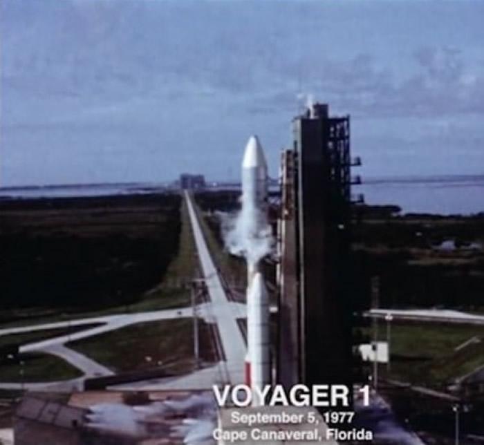 """""""旅行者1号""""当年发射升空的一幕。"""