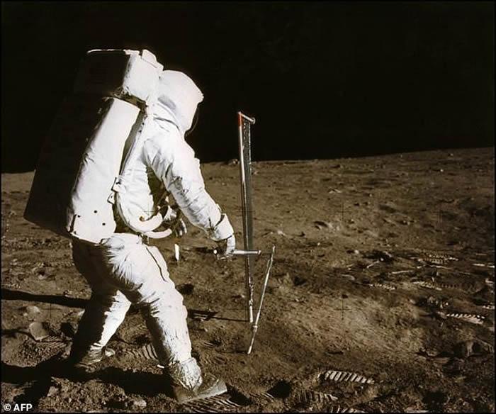 """美国要送宇航员重返月球 俄罗斯提案""""禁止各国在外层空间攫取矿藏"""""""