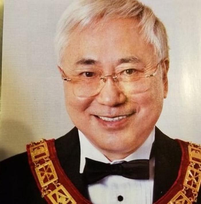 高须克弥(图)打算将回忆录捐给宫内厅。