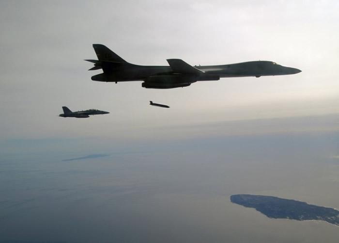 美军B-1B战略轰炸机成功试射新型长程反舰导弹(LRASM)