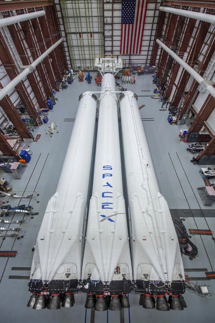 """""""猎鹰重型""""拥有更大的发射推力。"""