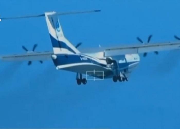 AG600在广东珠海进行首次试飞。