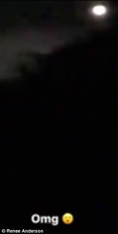UFO再访澳大利亚?阳光海岸夫妇目击夜空神秘光团