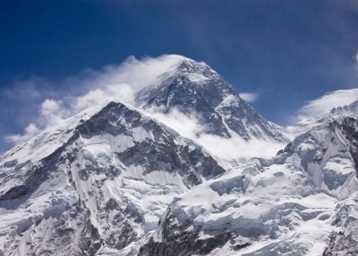 新例禁止独行者、盲人、双手或双腿截肢者攀登珠峰。