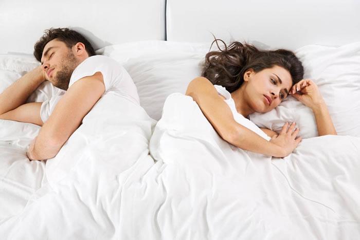 《人格研究杂志》:老是失眠睡不好?新研究指是因为你太爱生气了