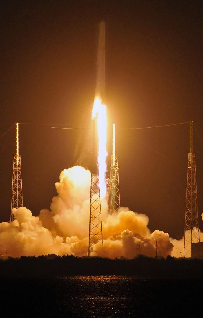 有报道指猎鹰9号火箭搭载的是美国国防卫星。