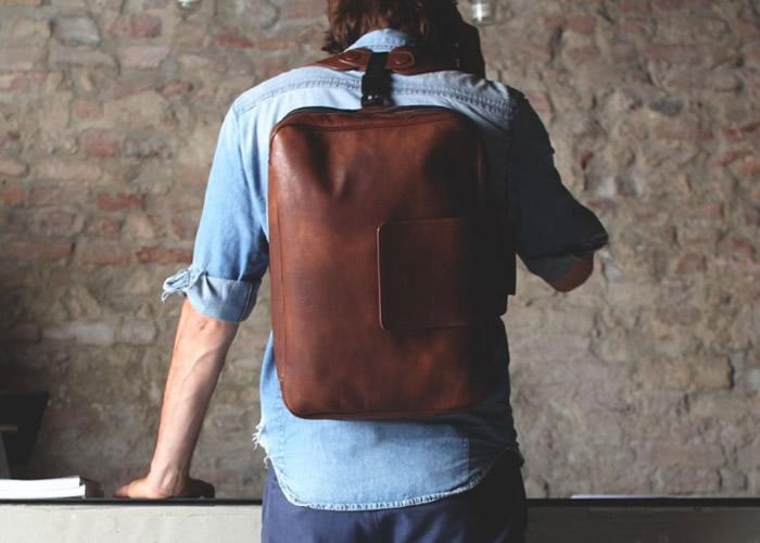 这款全人手制手提电脑背包别具型格。