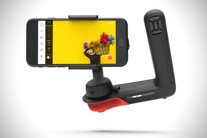 稳定器可配合手机使用。
