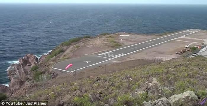 荷兰加勒比萨巴岛的胡安彻·亚拉斯奎恩机场:全球最短跑道之一