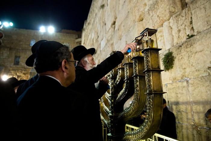 东耶路撒冷哭墙血与
