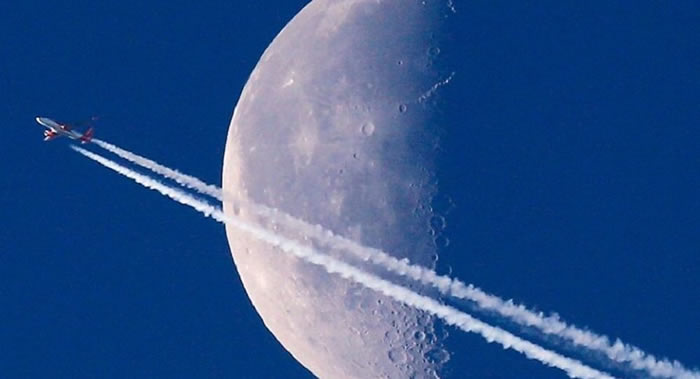 日本政府希望2020年代让本国宇航员飞往月球