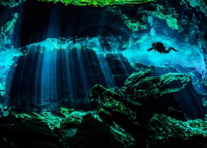 水底洞穴网络与世隔绝多年。