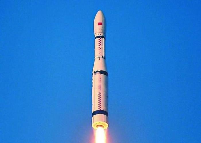搭载六颗卫星的长征11号火箭成功发射。