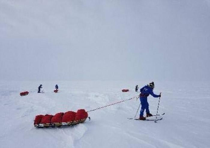 英国6名女兵组成探险队横越南极成全球第一