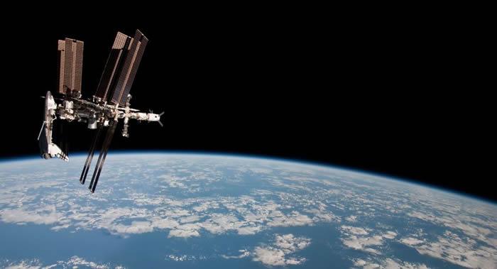 美国建议俄罗斯科学家实施外层空间模拟飞行联合实验方案