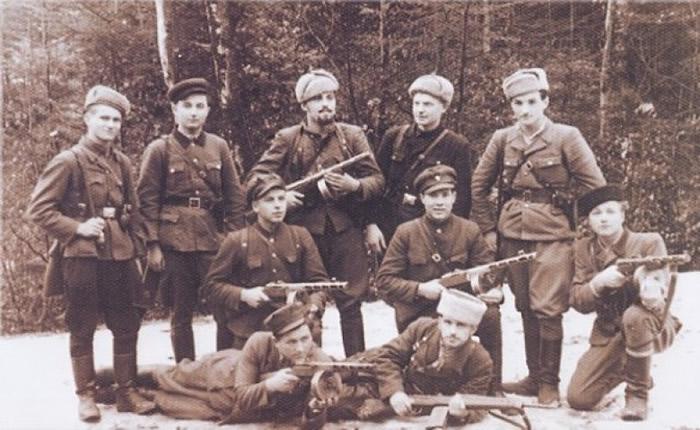 """""""乌克兰反抗军""""于二战期间杀害了不少波兰人。"""
