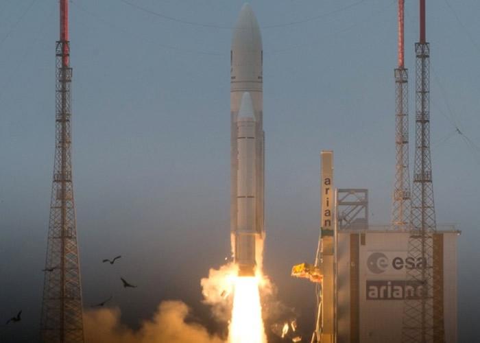 欧洲阿里安火箭携两卫星升空 失联后重回轨道