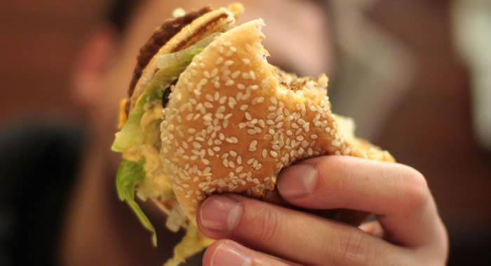 """""""科学警报""""网站:胆固醇过量可能会使肠癌发病率提高100多倍"""
