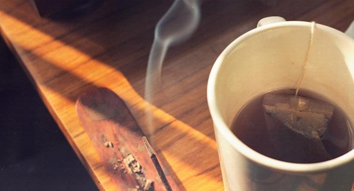 中国科学家发现吸烟喝酒时饮用热茶会提高罹患食道癌的风险