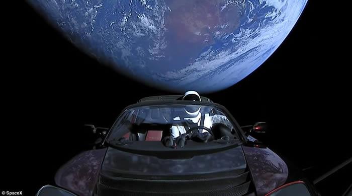 美国生命科学网:天文学家确定特斯拉跑车真的在往火星飞