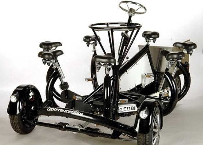 """美国70岁老翁设计出把七个座位围成一圈的四轮单车""""CoBi"""""""