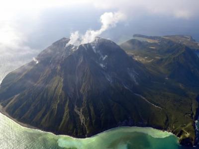 日本南部外海太平洋海底发现史上最大火山熔岩穹丘 一旦爆发威胁1