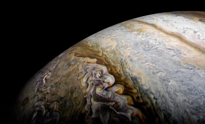 朱诺号拍摄多张木星照片。