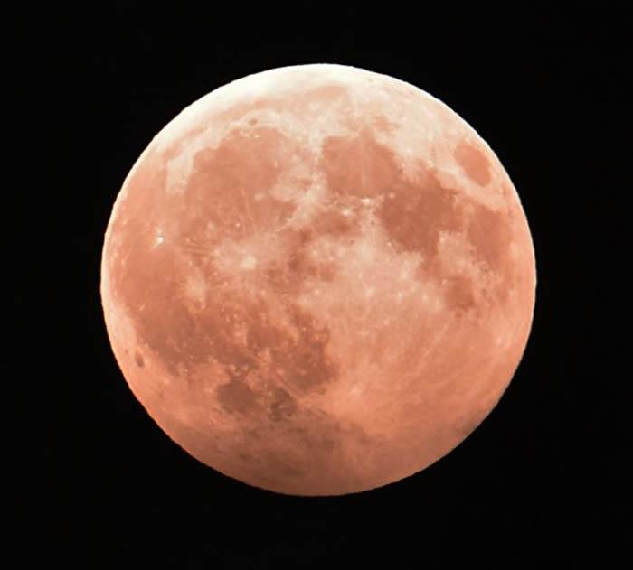 《自然地理科学》:水资源遍布月球表面
