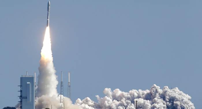 """搭载美国新GOES-S气象卫星的""""宇宙神""""-5(Atlas V)运载火箭发射升空"""