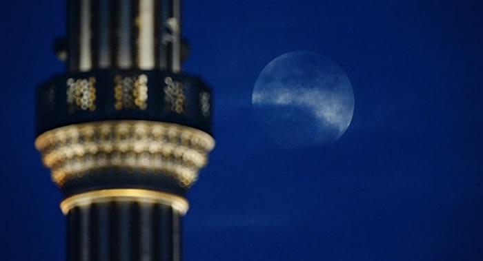 """俄罗斯莫斯科天文馆:3月会出现""""蓝月亮"""""""