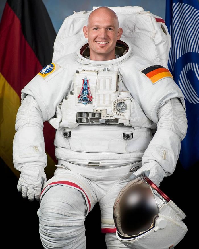 格斯特(图)将会带西蒙前往ISS。