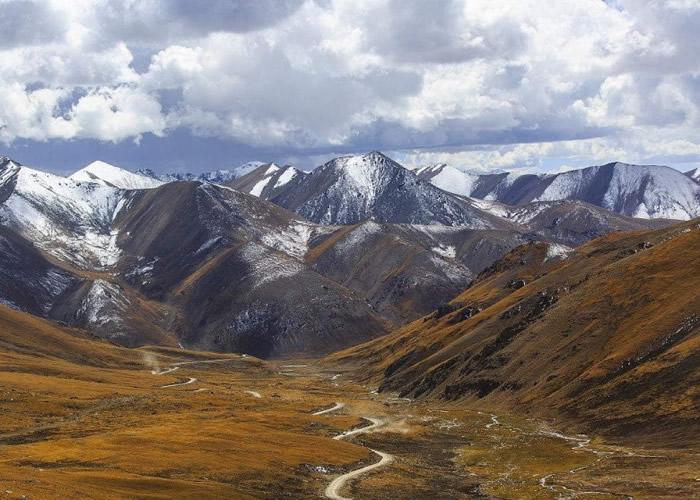 青藏高原平均气温在过去半个世纪以来,以每年摄氏0.04度的速率持续升高。