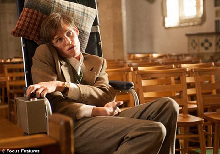英国著名物理学家斯蒂芬·霍金14日在位于剑桥的家中去世 享年76岁