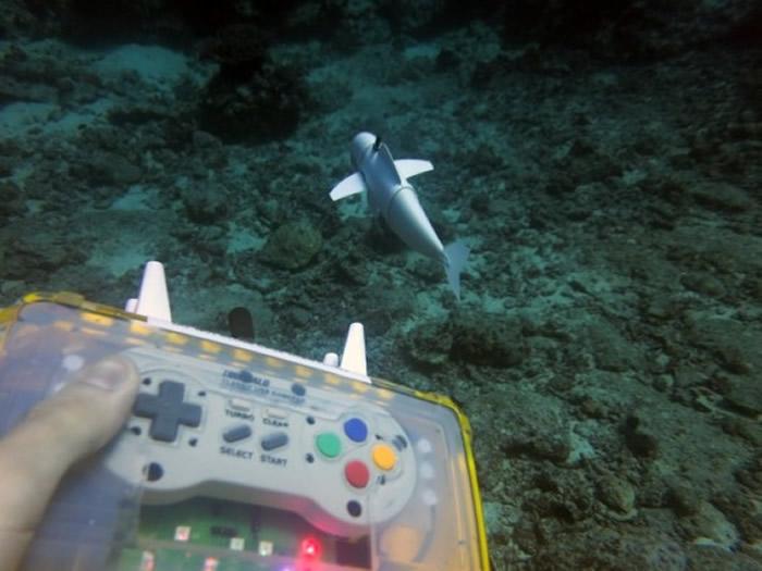 研究员使用防水「超级任天堂」操控SoFi