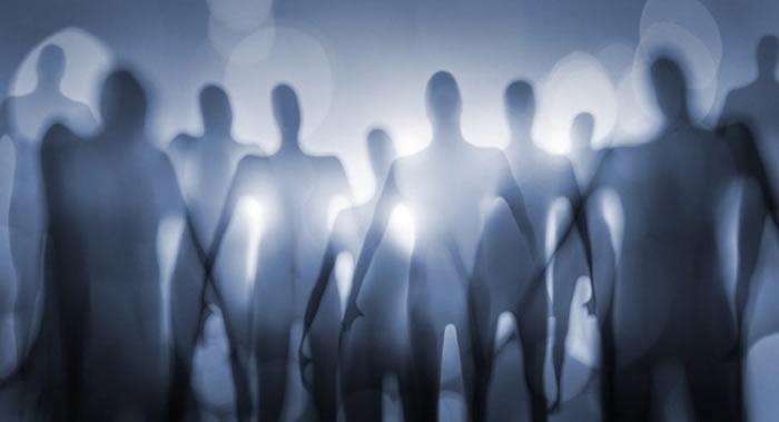 《Acta Astronautica》:神经物理学家解释外星人如何隐匿在地球人的视线中