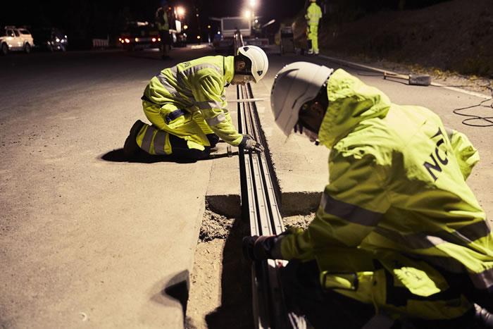 瑞典开通第一条能给行驶中的电动汽车蓄电池充电的道路