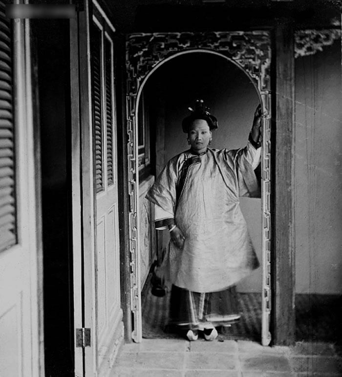 """""""约翰·汤姆森眼中的中国和暹罗""""摄影展:英国维多利亚女王御用摄影师拍摄的清朝美女"""