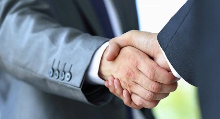曼彻斯特大学研究发现握手力度与智力之间的关系